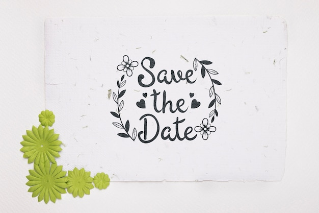 Зеленые цветы сохраняют макет даты