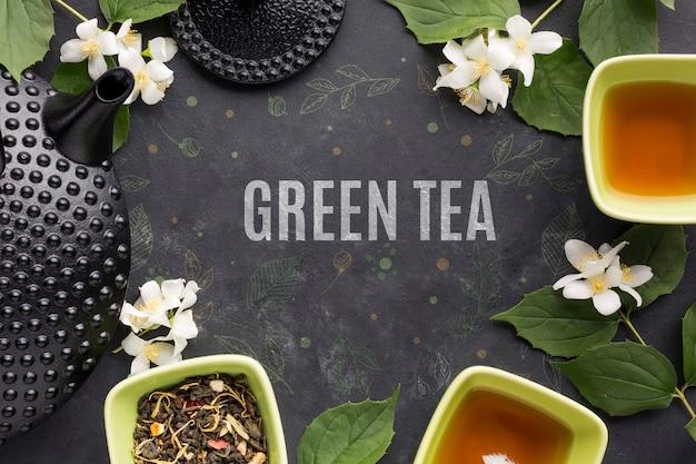 Вид сверху вкусных специй зеленого чая