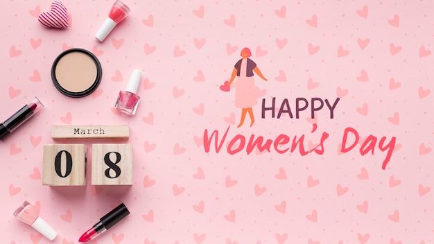 Празднование женского дня с макетом