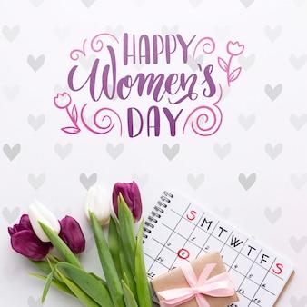 Букет тюльпанов с календарем