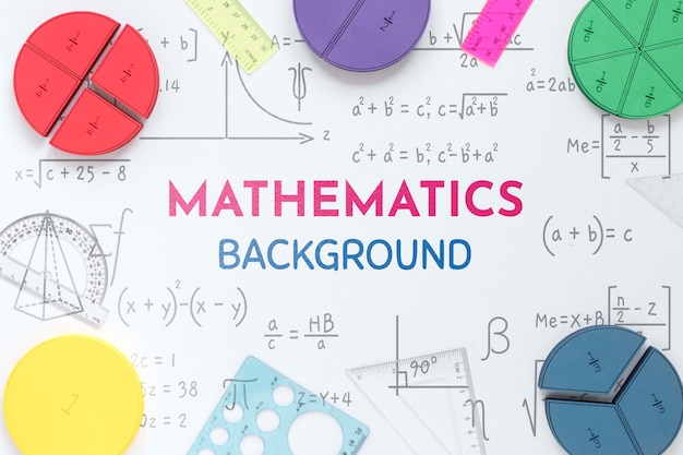 Вид сверху фона математики с фигурами и линейками