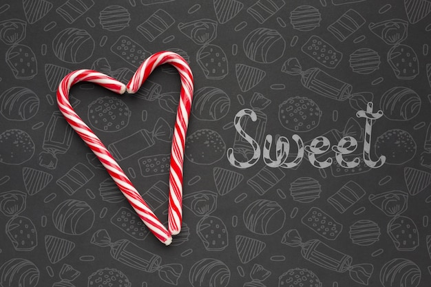 Форма сердца из конфет
