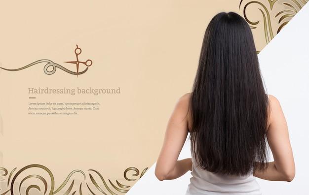 美しい髪のモックアップ広告を持つ女性