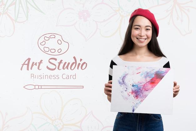 アートスタジオとかわいい女の子のモックアップ広告