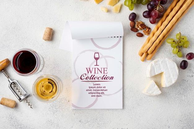 机の上のチーズとワイン