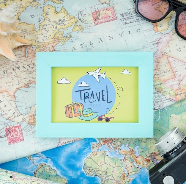 美しい旅行コンセプトのモックアップ