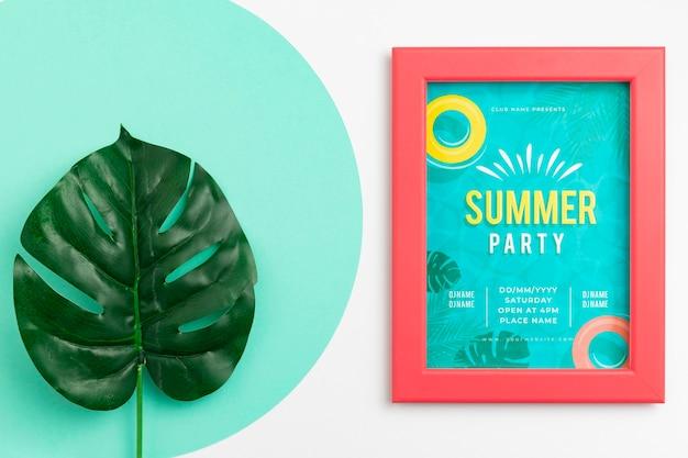 美しい夏のコンセプトのモックアップ