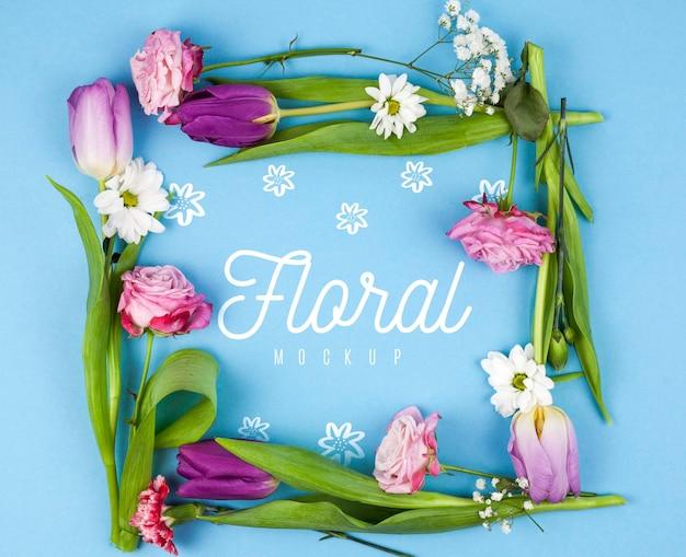 モックアップをフレーミングするさまざまな種類の花