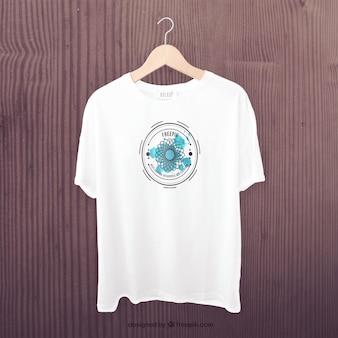 Белая футболка спереди макет