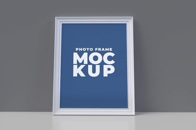 フレームモックアップポスター