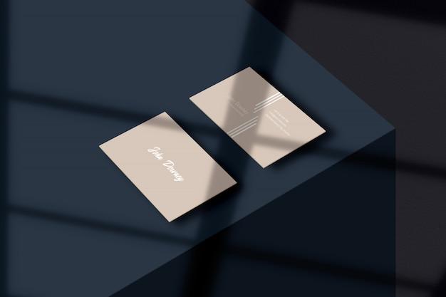 Современный макет визитной карточки с теневым наложением макета
