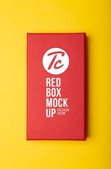 赤い包装箱のモックアップ