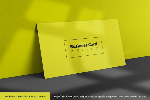 現実的なモダンでクリーンな企業の水平方向のビジネスカードのモックアップテンプレート