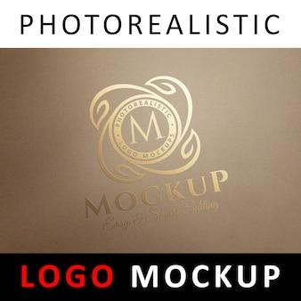 ロゴモックアップ - クラフト古紙にゴールドホイルスタンピングロゴ