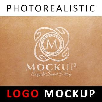 ロゴモックアップ - クラフト紙に印刷された古いロゴ