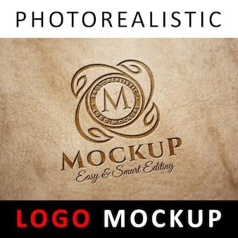ロゴモックアップ - レザーにロゴ入り刻印ロゴ入り