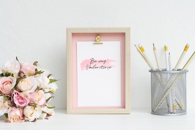 Рамка и макет розовых роз