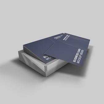Аккуратный и чистый простой макет визитной карточки