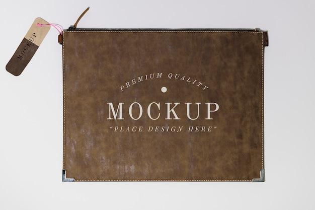 フラットブラウンレザー財布のモックアップ