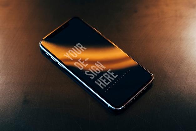 携帯電話の画面のモックアップ