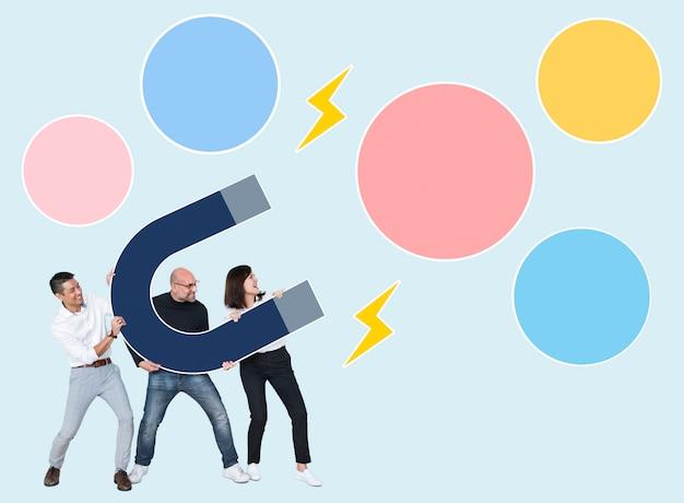 Разнообразные деловые люди держат подковообразный магнит