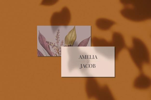 Цветочный дизайн макета визитки