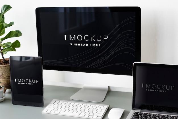 デジタル機器の画面モックアップのセット