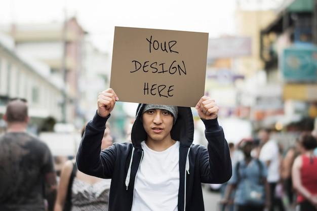 紙の抗議サイン