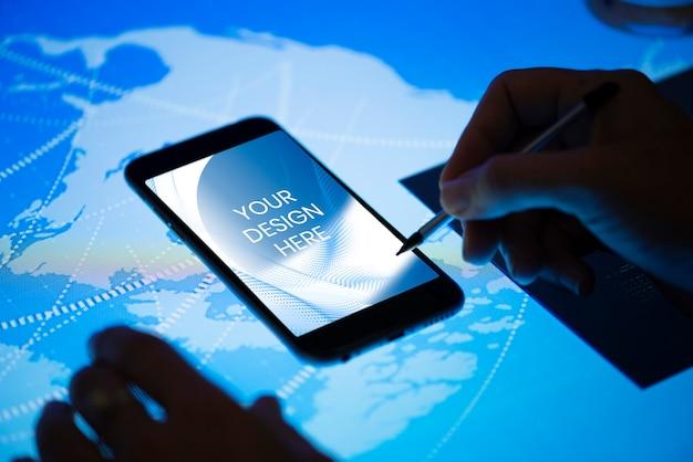空白の携帯電話の画面