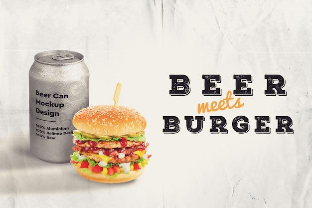 ハンバーガーとビールのモックアップ