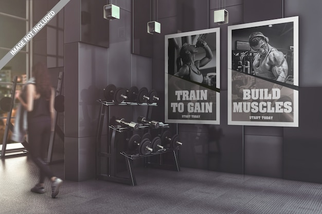 Два плаката в современном тренажерном зале макет