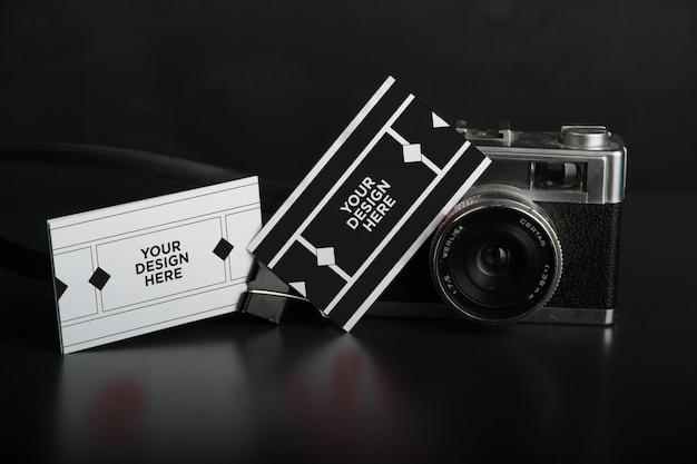 写真家の名刺のモックアップ