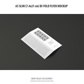 A5 slim bi-fold flyer 목업