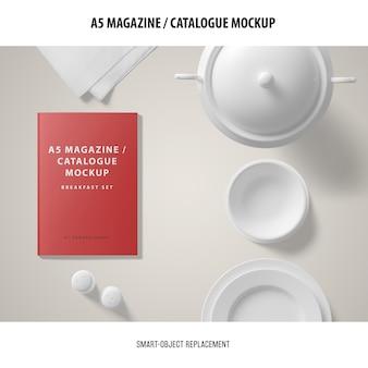 A5雑誌カタログのモックアップ