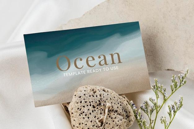 抽象的な名刺モックアップ紺色の海