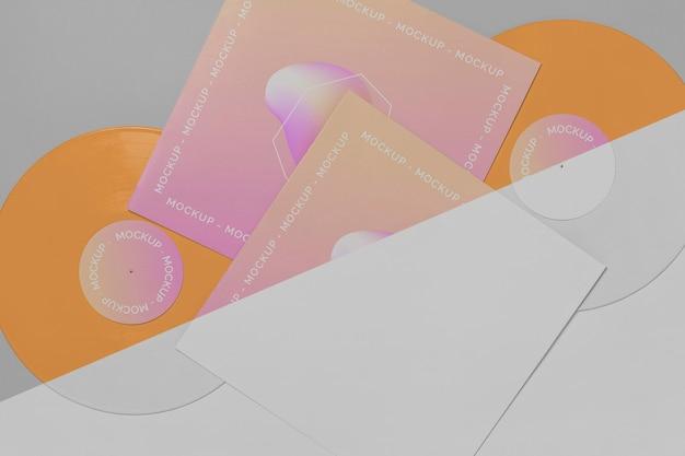 포장 모형과 추상 복고풍 비닐 디스크