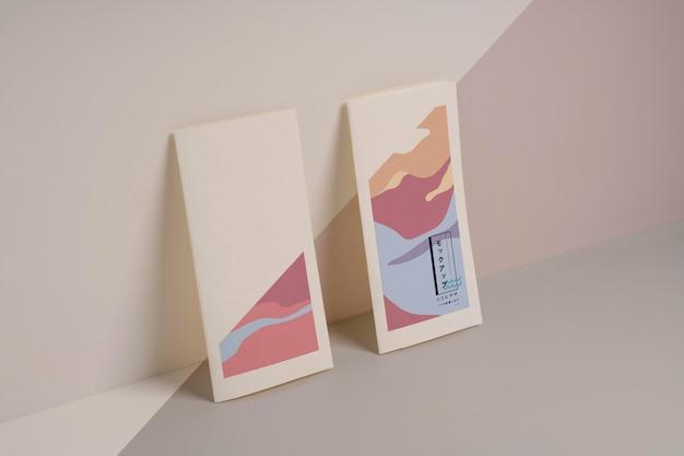 抽象的な形のパンフレットのモックアップ