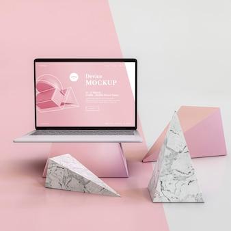Абстрактный камень и ноутбук
