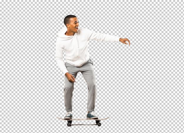 アフロアメリカンスケーター男