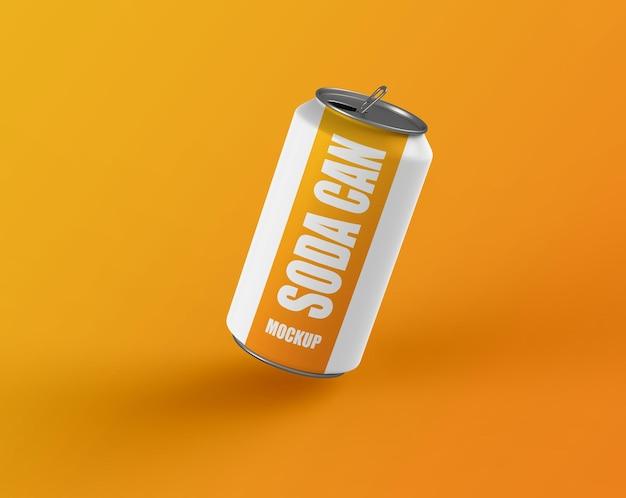 アルミまたはスチールのソーダ缶または飲み物のモックアップ