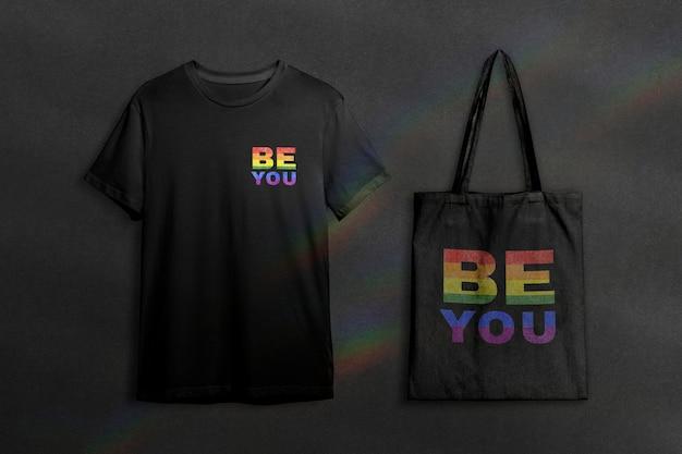 Psd макет одежды с футболкой и большой сумкой