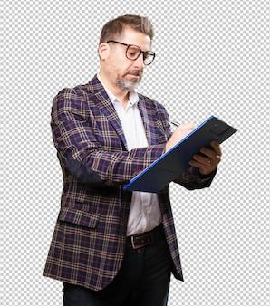 Архитектор мужчина держит инвентарь