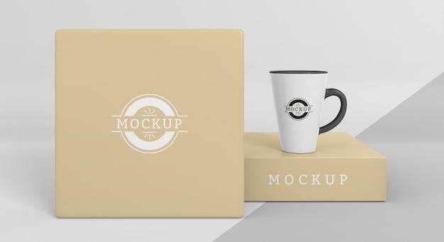 Arrangement of mock-up mug box