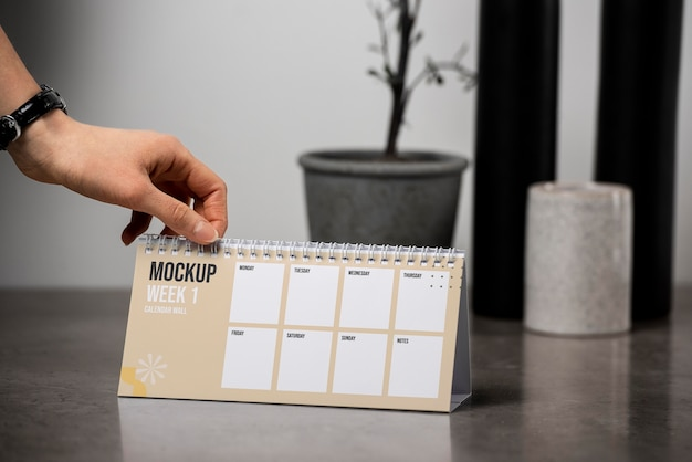 Обустройство макета настольного календаря в помещении