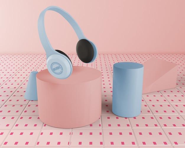 Arrangement with blue headphones