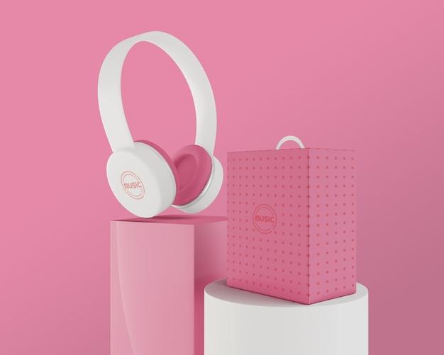 Arrangement with white earphones