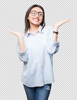 Азиатская женщина делает жест баланса