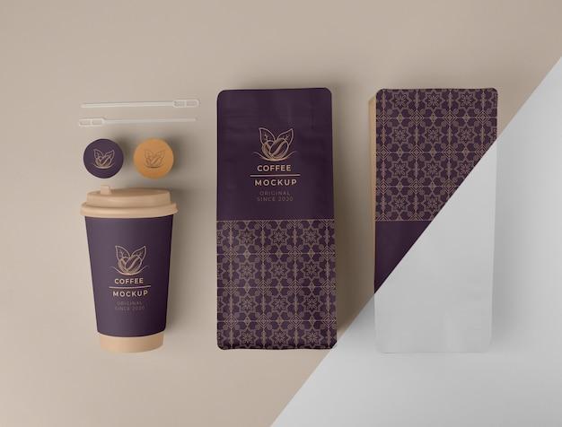 다양한 커피 숍 요소 모형