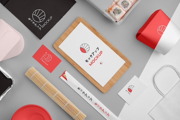 Ассортимент японского фаст-фуда с макетной упаковкой