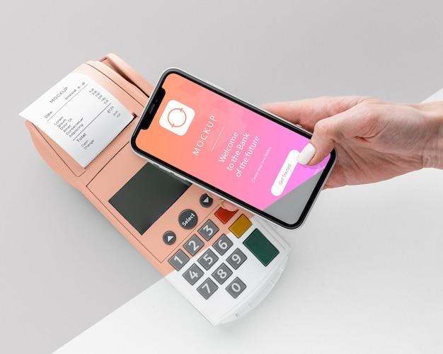 Ассортимент с макетом платежного приложения для смартфона
